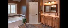 DiYanni Custom Homes > Portfolio > Bathrooms