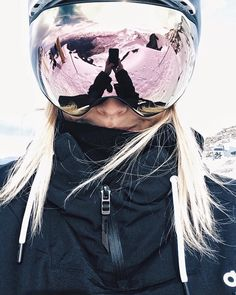 Ski Bunnies, Snowboarding Style, Foto Shoot, Alpine Skiing, Instagram Pose, Winter Pictures, Winter Is Coming, Christmas Girls, Xmas