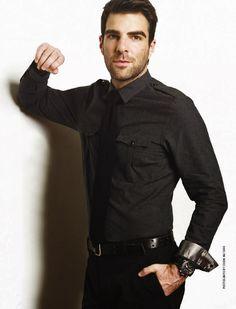 Zachary Quinto, my fav tv villain (heroes & American horror story) also gay = :(