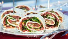 Deze feestelijke wraprolletjes met carpaccio zet je in een handomdraai op tafel en vinden gretig aftrek op een verjaardag of feestje. Ze zijn heerlijk!