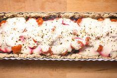Vegaaninen punajuuripiirakka. Vegan beetroot pie. Vegan Food, Vegan Vegetarian, Vegan Recipes, Vegan Protein, Beetroot, Pie, Bread, Pinkie Pie, Vegan Sos Free