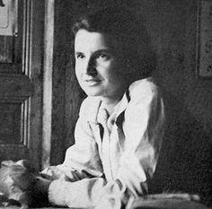 Dünya tarihinde önemli yeri olan kişileri doğum günlerinde logosuna taşıyan Google, bugün Rosalind Franklin için hazırladığı logoyu anasayfasında yayınladı. Ünlü İngiliz biyofizikçi Rosalind Franklin için hazırlanan bu logo kullanıcılar tarafından çok beğenildi. Gelelim Rosalind Franklin'in hayatına ve dünya tarihine kattığı önemli buluşlara..