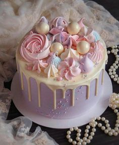 This cake is awesome and I want it for my birthday! Sweet Cakes, Cute Cakes, Pretty Cakes, Pastel Cakes, Girly Cakes, Bolo Cake, Dessert Decoration, Cake Decorating Techniques, Drip Cakes