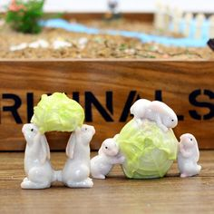 1Pcs Miniatures Resin Mini Playing Rabbit Model DIY Doll House/Terrarium / Micro Moss Landscape Decoration Fairy Garden 5 Styles
