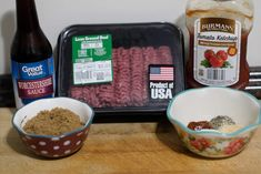 In West Virginia hot dogs are a religion and sauce is king! Here is my family's recipe for our amazing West Virginia Hot Dog Sauce. Hot Dog Recipes, Coffee Recipes, West Virginia Hot Dog Sauce Recipe, Sauce Recipes, Cooking Recipes, Copycat Recipes, Hot Dog Chili, Chili Dogs, Pumpkin Pecan Pie