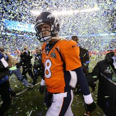 Manning, from the Denver Broncos. Sports in America are big money maker especially if you team is in the super bowl. In America NFL and men are synonymous! Denver Broncos Football, Go Broncos, Broncos Fans, Sport Football, Seattle Seahawks, Football Baby, Seahawks Team, Soccer, Nfl Memes