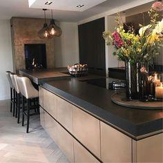 Kitchen And Bath, New Kitchen, Kitchen Interior, Home Interior Design, Küchen Design, House Design, Elegant Kitchens, Scandinavian Kitchen, Dream House Exterior