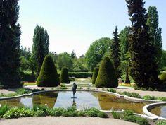 Famous botanical garden in Berlin. (Botanischer Garten und Botanisches Museum Berlin-Dahlem)