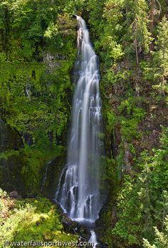 Barr Creek Falls In Southern Oregon