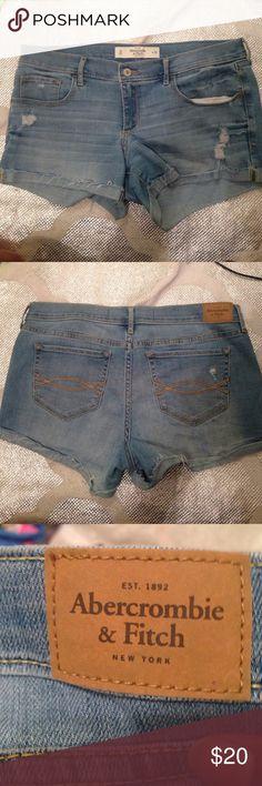 🙄LAST CALL🆕Abercrombie & fitch denim shorts 🆕Abercrombie & fitch denim shorts    New without tags   Size 10 Waist 30 Inseam 3 inches Abercrombie & Fitch Shorts Jean Shorts