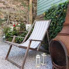 Country courtyard garden with deckchair | garden decorating | Style at Home | Housetohome.co.uk