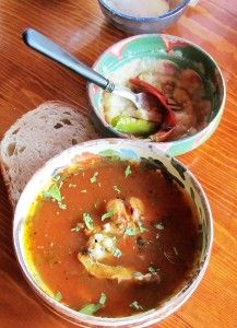 Ciorba de somn si crap. O ciorba la ceaun sau in oala. Romanian Food, Thai Red Curry, Seafood, Ethnic Recipes, Sea Food, Seafood Dishes