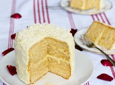 http://beelabakes.blogspot.cl/2013/05/rose-cake-with-white-chocolate-frosting.html