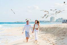 Photoshoot ideas. Engagement photography ideas. Cool photography ideas. Couple beach pictures ideas. Couple photoshoot ideas.Cancun photographer. http://elena-fedorova.com/project/cancun-vacations-with-a-joyful-photo-session/