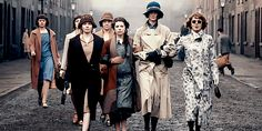 The ladies of the Peaky Blinders go on strike! Peaky Blinders Costume, Peaky Blinders Theme, Boardwalk Empire, 20s Fashion, Vintage Fashion, Birmingham, Best Tv Series Ever, Great Movies, Picture Show