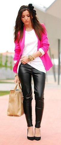 Fuschia pink blazer + leather pants + neutral bag | Street style outfit