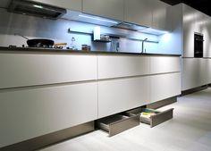 Sigma Lack - Nolte Kuchen S http://www.martinelstore.com/en/prod/kitchens-offer/sigma-lack-nolte-kuchen.html