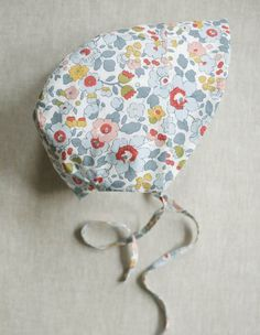 free pattern for summer bonnet, ages 0-24mos Corinne's Thread: Baby Sunbonnet - The Purl Bee - Knitting Crochet Sewing Embroidery Crafts Patterns and Ideas!