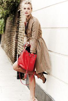 Trench coats: key fashion trends of the season