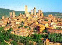 San Gimignano w SI, Italy