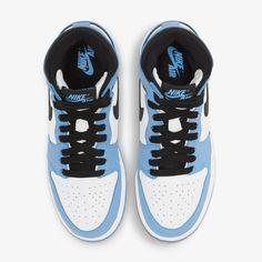 Jordan 1 White, Jordan 1 High Og, Latest Sneakers, New Sneakers, Michael Jordan College, Original Air Jordans, Nike Snkrs, Sneaker Stores, Nike Shoes