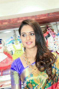 Goddess Rakul Preet Singh in Saree