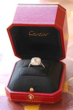 Cushion cut wedding ring by Cartier. This is by far my dream ring. this or the Harry Winston. Do It Yourself Wedding, Do It Yourself Fashion, Ring Set, Ring Verlobung, Perfect Wedding, Dream Wedding, Wedding Day, Perfect Bride, Church Wedding