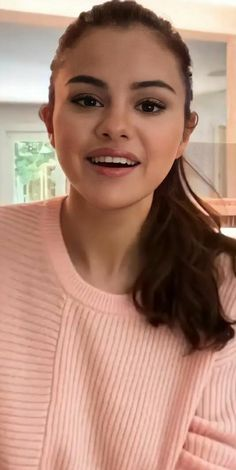 Selena Gomez Music, Selena Gomez Photoshoot, Selena Gomez Cute, Selena Gomez Pictures, Selena Gomez Style, Picture Day Tips, Selena Gomez Birthday, Selena Gomez Wallpaper, Selena And Taylor