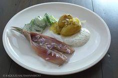 KAQUUS HAUSMANNSKOST: einfach: neuer Matjes mit Kartoffeln, Lauch, Gurke und ein wenig Joghurt
