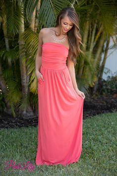 Don't hold back your love for this gorgeous strapless maxi! It features side ruching on the bust, pockets, and an elastic waistband for extra comfort.