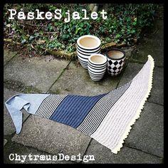 PåskeSjalet -   Påske Sjalet -et sjal i vinkel! Sjalet kan strikkes i stort set alle garner. Vælg en strikkepind der er ½ p større end anbefalet (strømpegarn og alm bomuldsgarn strikkes eksempelvis på p 3½). Vær opmærksom på at garnforbruget kan svinge, hvis du vælger andre garntyper end ...