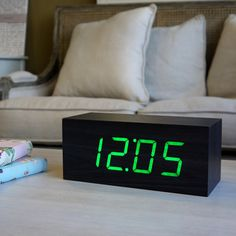 LED wood-effect alarm clock - Black Square