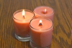 How to Make a Wood-Wick Candle by Yourself. WoodWick candles are scented candles that sport a wooden candlewick. Wood Wick Candles, Soy Candles, Scented Candles, Candle Jars, Candle Wicks, Candle Craft, Candle Maker, Natural Candles, Candle Holders