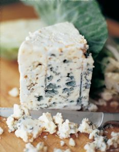 the best ever homemade chunky blue cheese dressing | recipe | blue