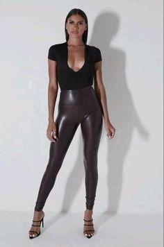 Shiny Leggings, Plus Size Leggings, Leggings Are Not Pants, Printed Leggings, Leggings Mode, Curvy Fashion, Look Fashion, Petite Fashion, Fall Fashion Skirts