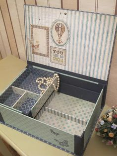 El desván de Silvia: Joyero para Elizabeth Fabric Covered Boxes, Fabric Storage Boxes, Decorative Storage Boxes, Craft Storage, Scrapbook, Decoupage, Creative Box, Pretty Box, Cardboard Crafts