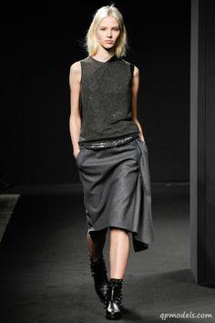 Milan Fashion Week: No. 21 Fall/Winter 2014 - http://qpmodels.com/interesting/6207-milan-fashion-week-no-21-fall-winter-2014.html