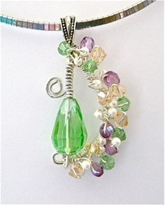 A gorgeous crisp-crystal-and-pearl-pendant you can make with instructions by @divaonline1 #crafts #jewelry
