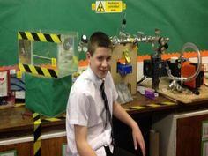 A 13 ans, il crée un réacteur à fusion nucléaire