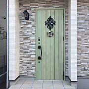 玄関 入り口 リーフグリーン ジエスタ リクシルの玄関ドアのインテリア