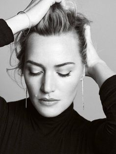 Beautiful Women with timeless style Kate Winslet, Black And White Portraits, Black And White Photography, Editorial Hair, Peter Lindbergh, Foto Pose, Gwyneth Paltrow, Female Portrait, Most Beautiful Women