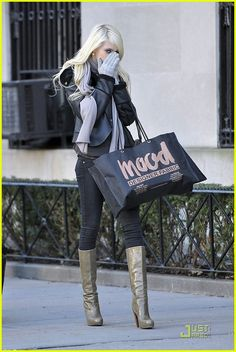 Taylor Momsen is In The Mood for 'Gossip Girl' | taylor momsen gossip girl mood 03 - Photo