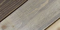 Comment faire grisonner le bois We have already discussed in a previous article: The barn wood is incredibly popular in … Reclaimed Barn Wood, Weathered Wood, Deco Furniture, Painted Furniture, Wood Projects, Woodworking Projects, Woodworking Garage, Shed Homes, Grey Wood