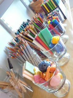 detailed list of montessori art supplies with links to amazon.  VERY thorough list