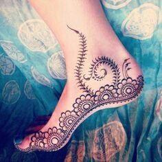 Henna Tattoo Designs, Henna Tattoos, Henna Mehndi, Mehendi, Arte Mehndi, Henna Ink, Leg Mehndi, Henna Body Art, Mehndi Art