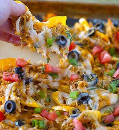 Chicken Nachos on Peppers - Low Carb! Peppers instead of chips?! Awesome idea!