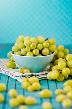#green grapes # vintage # summer by Chaulafanita [www.juliadavilalampe.com], via Flickr