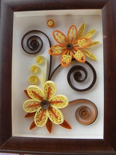 fleurs orange et jaune                                                                                                                                                                                 Plus