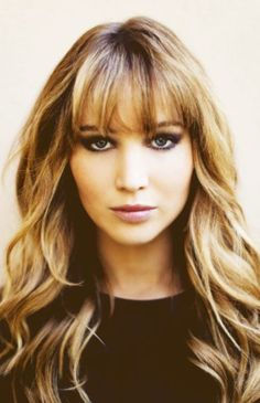 Love Jennifer Lawrence and her hair this way, specially those bangs ❤️