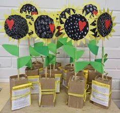 Mothers Day Crafts For Kids, Spring Crafts For Kids, Diy Mothers Day Gifts, Fathers Day Crafts, Mothers Day Cards, Art For Kids, Kindergarten Activities, Preschool Crafts, 2nd Grade Crafts